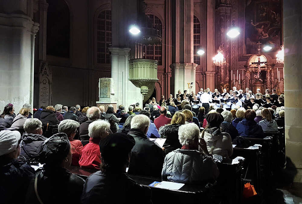 The Hickory Choral Society Tours Central Europe