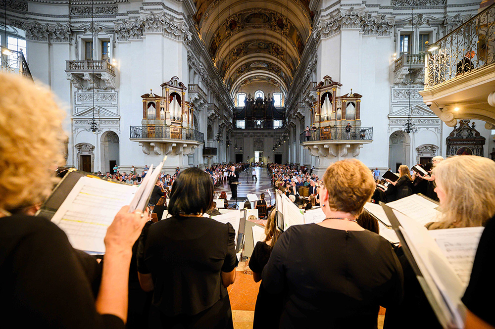 Members of the National Philharmonic Chorale Perform in Salzburg