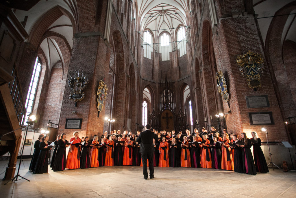 millikin-university-choir-st-peters-church-riga