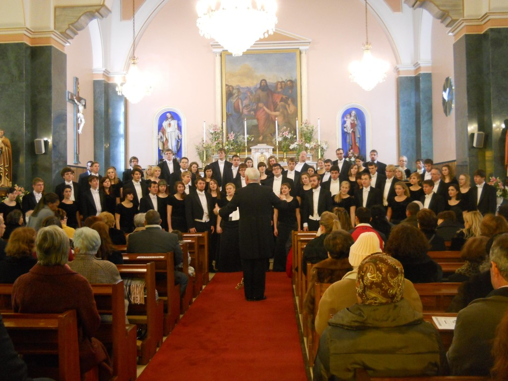 University of Wisconsin-Eau Claire Concert Choir performing in Greece
